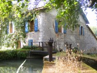 Moulin avec quatre chambres au cur du paysage charentais