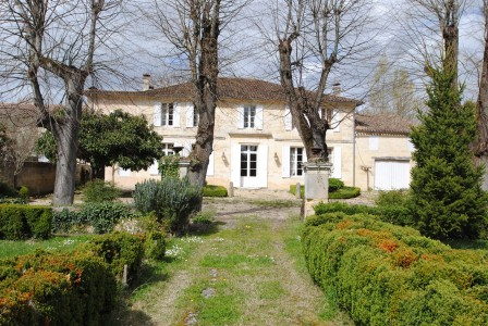 Maison  vendre  Near Bordeaux, Gironde, Aquitaine, avec Leggett Immobilier
