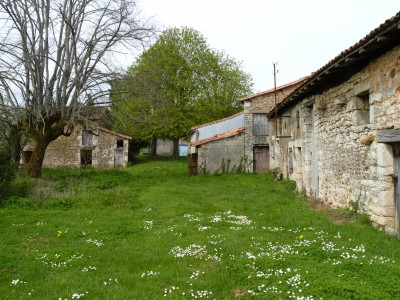 Maison  vendre  Champagne Mouton, Charente, Poitou_Charentes, avec Leggett Immobilier