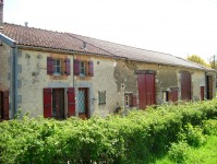 Maison indpendante de 3 chambres avec grange et terrain de 1800m2